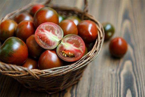 La kumato, une variété de tomate insolite