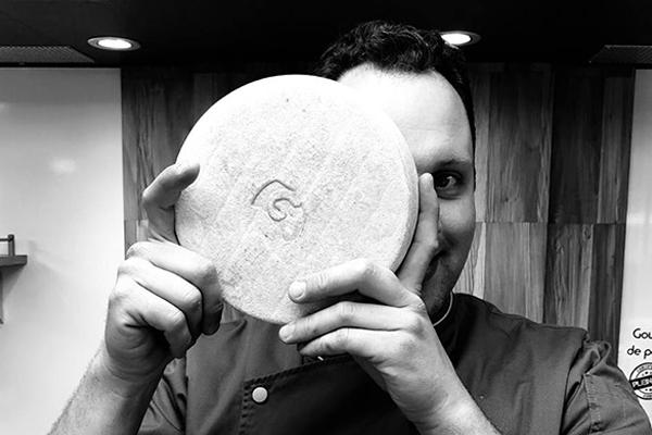 Portrait de Stéphane, notre fromager