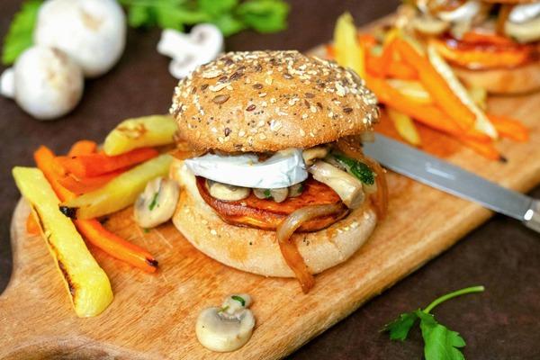 Burger de patate douce et mozzarella di bufala