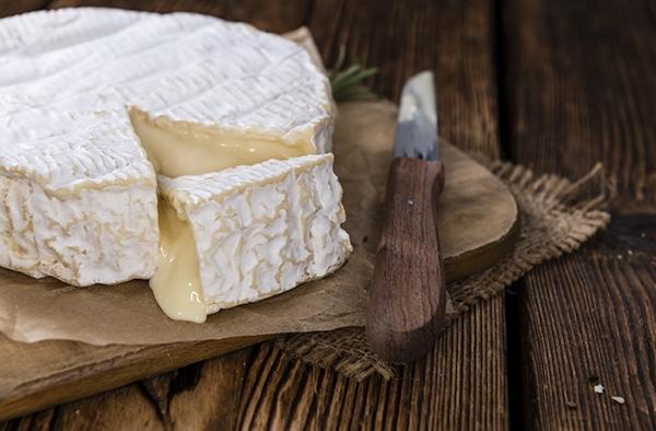 Notre cher camembert : un des fromages emblématiques de la Normandie