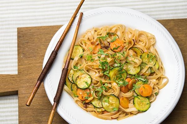 Qu'est-ce que le pad thaï, le plat thaïlandais le plus connu au monde ?