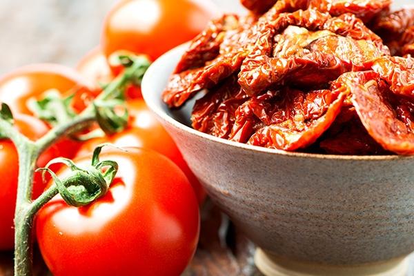 Fondez pour la tomate séchée, le condiment gourmand et acidulé