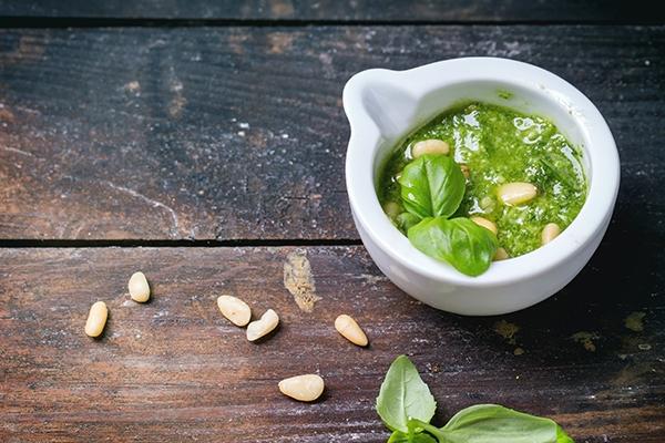 Pesto et pistou : connaissez-vous leurs différences ?
