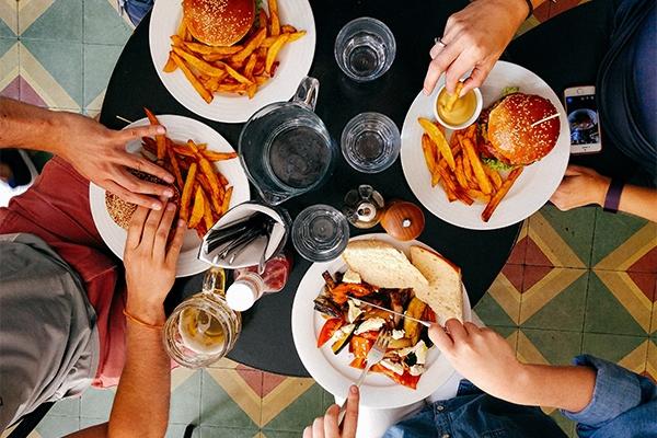 Hiver : faut-il manger plus quand il fait froid ?
