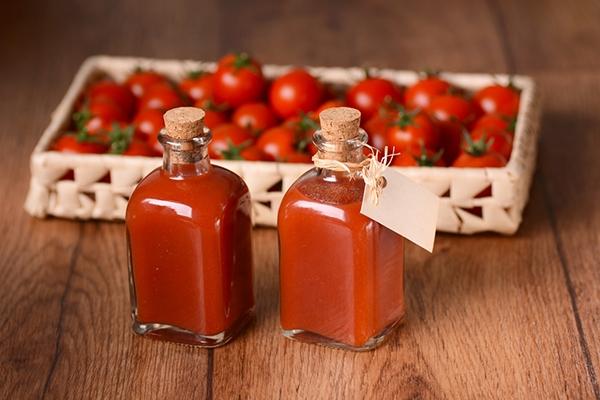 Une sauce ketchup maison, pour accompagner des cordons-bleus