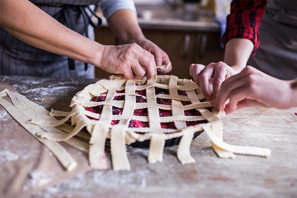 Tarte aux cerises et amandes façon linzertorte : la recette de mamie