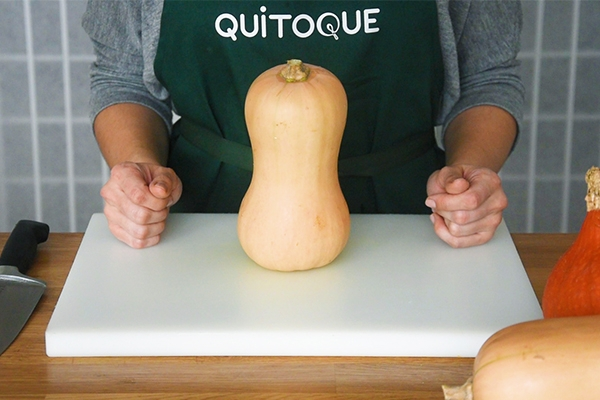 Comment couper facilement une courge butternut ?
