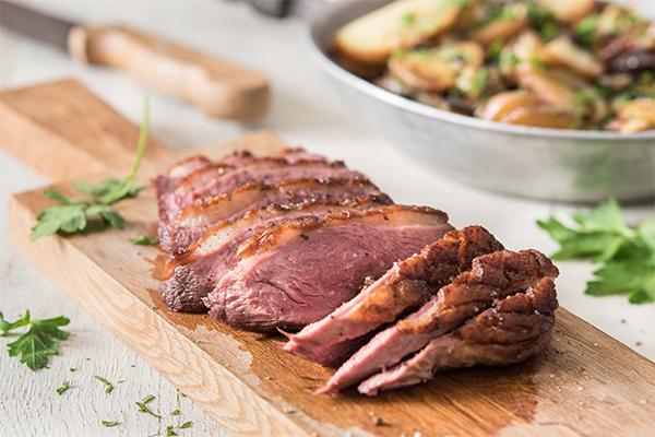 Réussir la cuisson du magret de canard : les secrets de Chef Céline