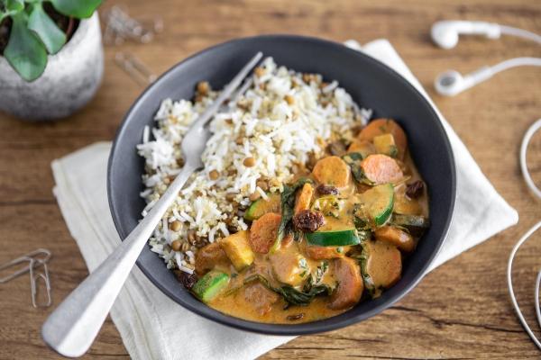 Tikka masala aux légumes, mélange de riz, quinoa et lentilles