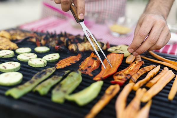 Comment faire un barbecue 100% fait-maison ?