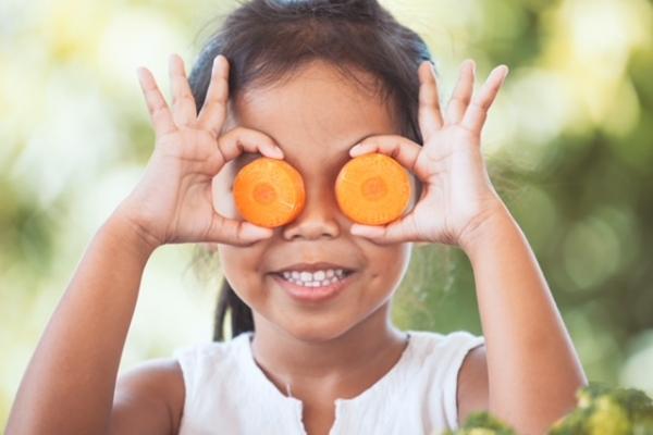 Manger des carottes rend-il aimable ?