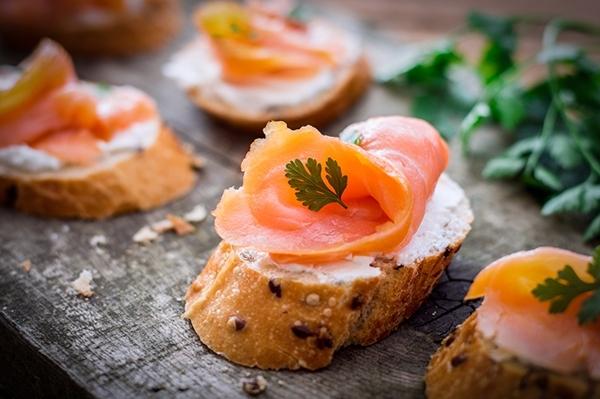 Repas de fêtes : comment bien choisir son saumon fumé ?