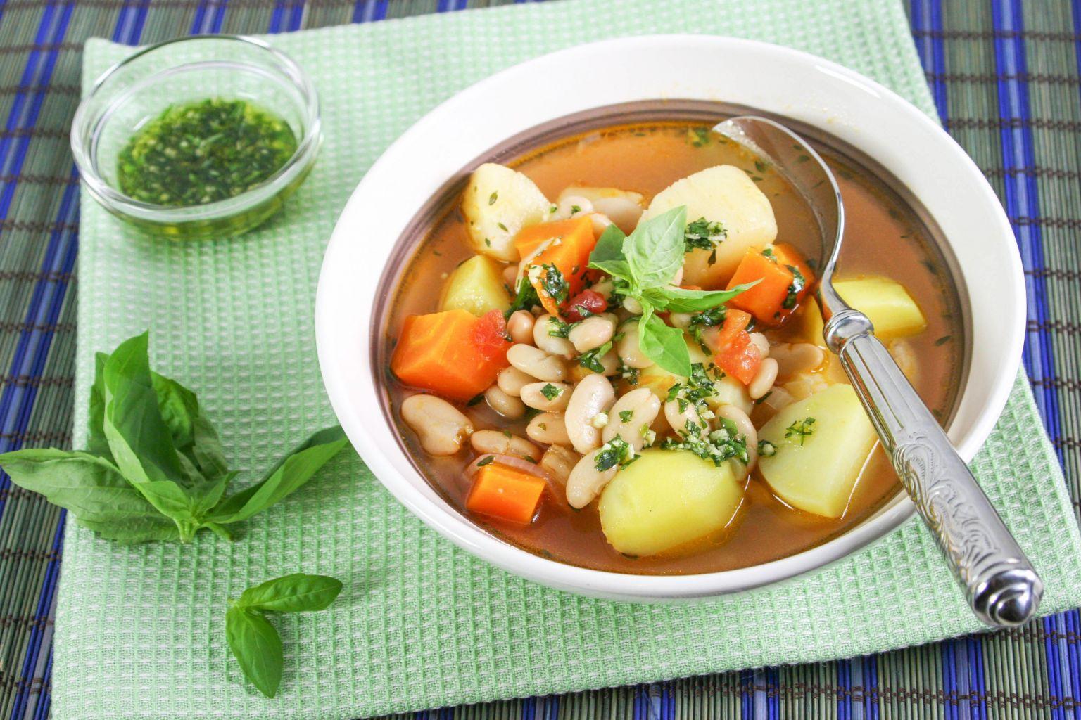 recette soupe de haricots blanc au pistou quitoque. Black Bedroom Furniture Sets. Home Design Ideas