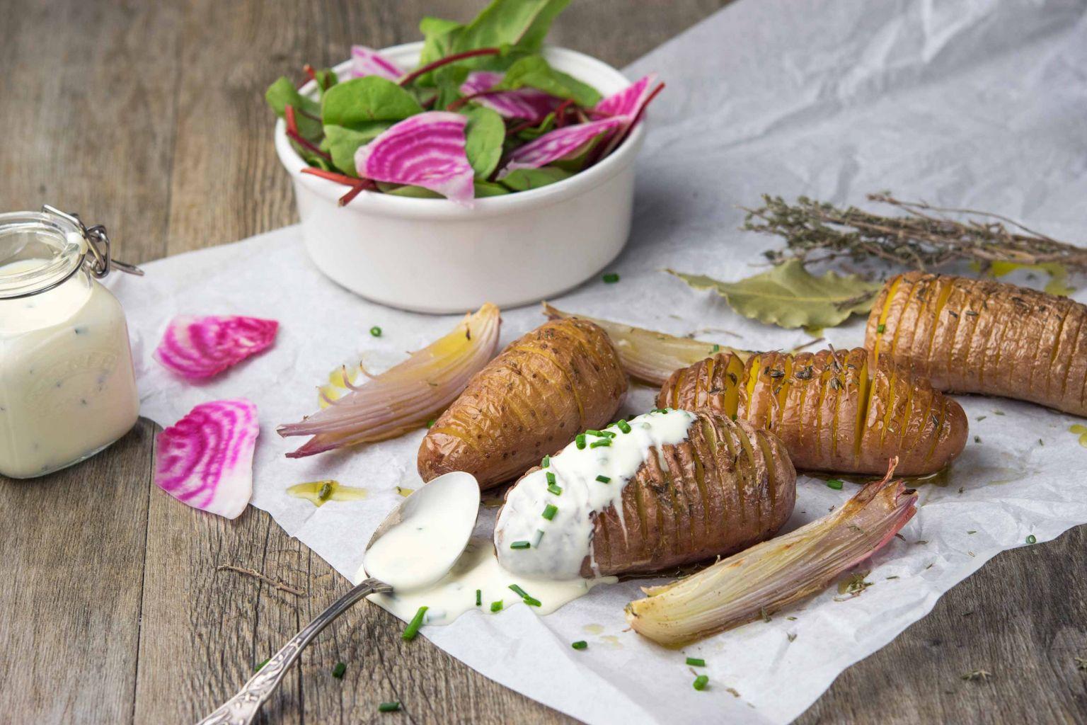 Pommes de terre à la suédoise et échalotes au four