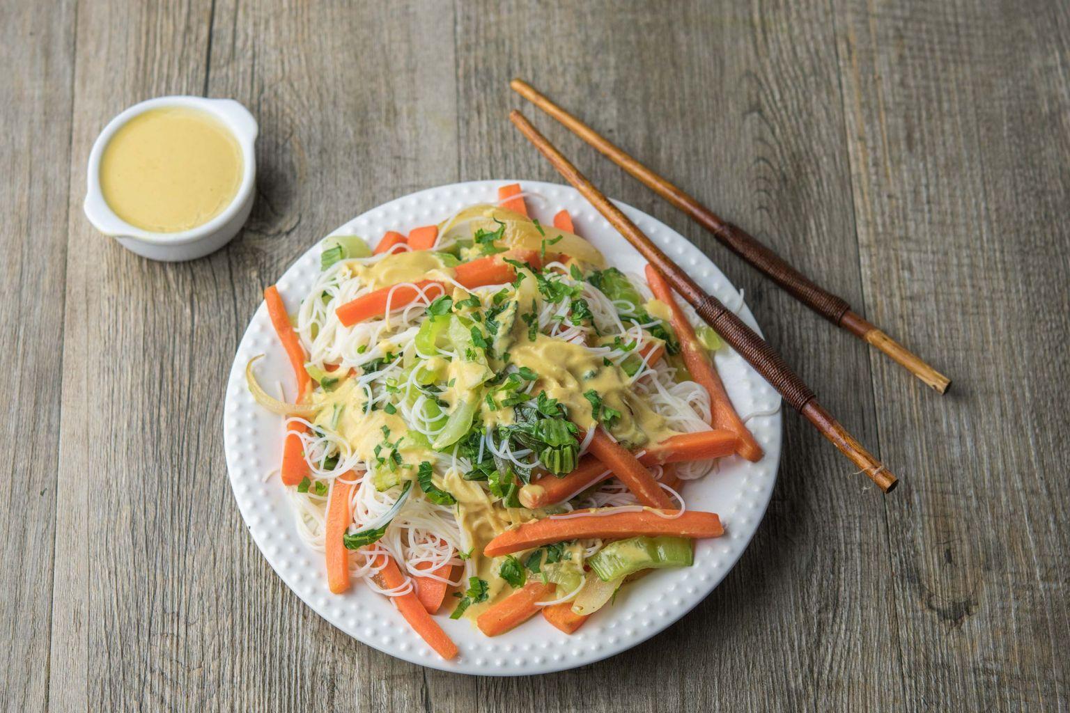 Recette salade de vermicelles au sat quitoque - Comment cuisiner les germes de soja frais ...