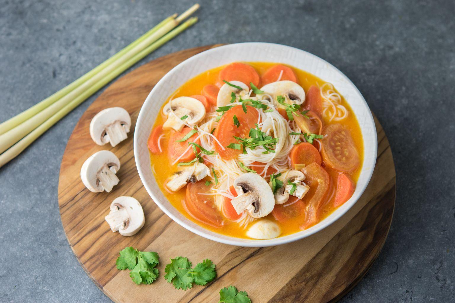 Tom kha (soupe au lait de coco)