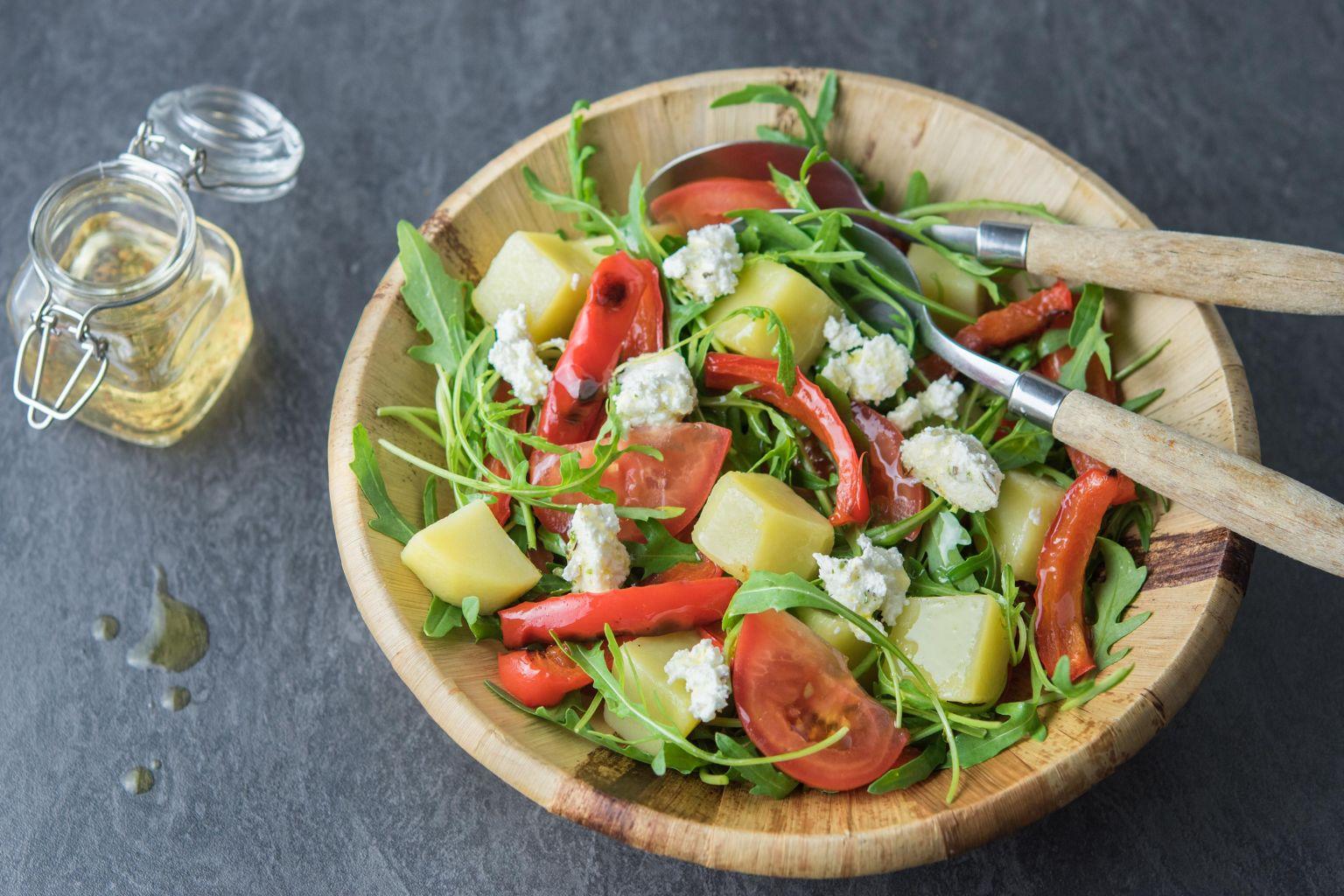 Recette salade au poivron grill ch vre et huile de noix quitoque - Salade de poivron grille ...