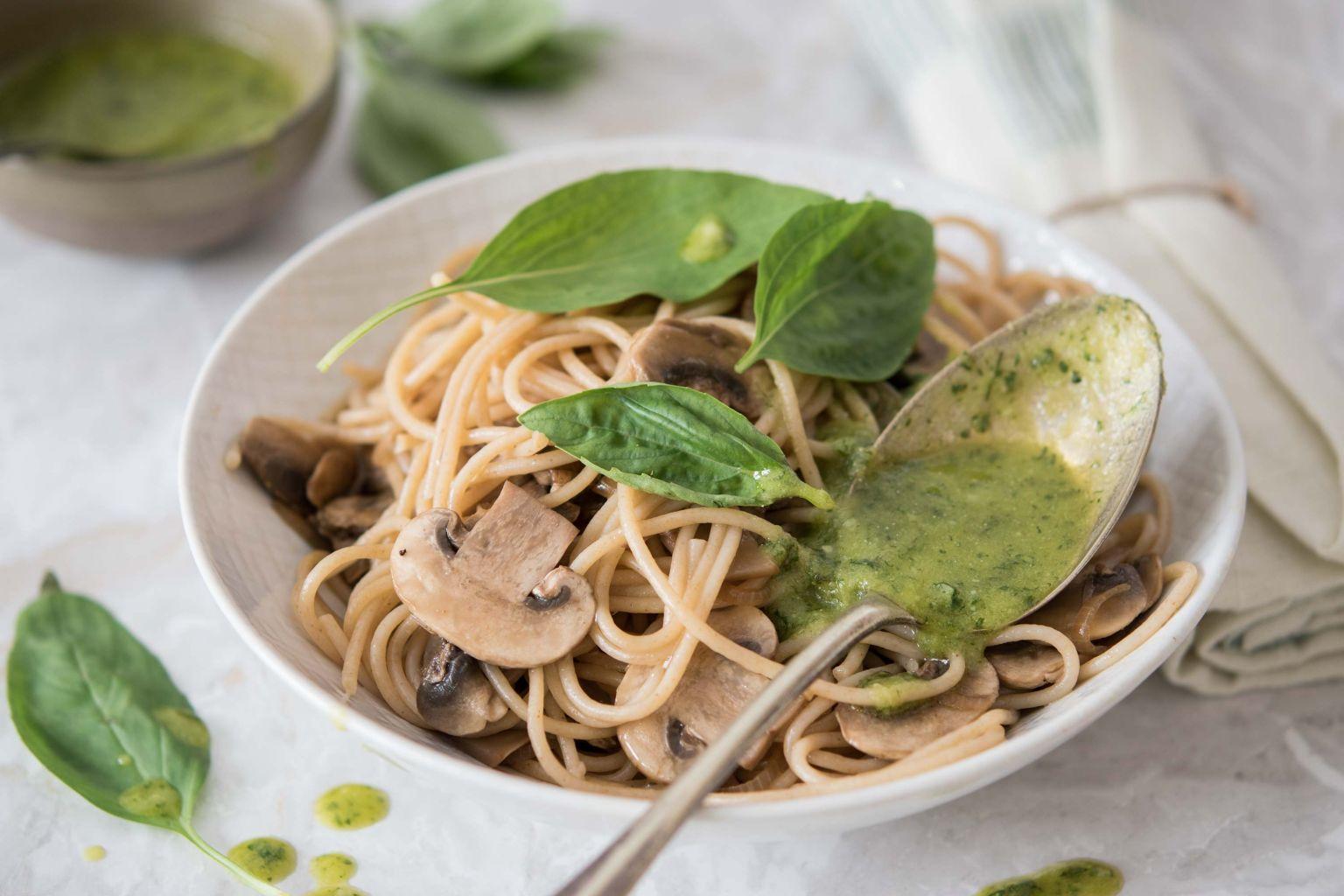 Spaghetti aux champignons et pesto maison