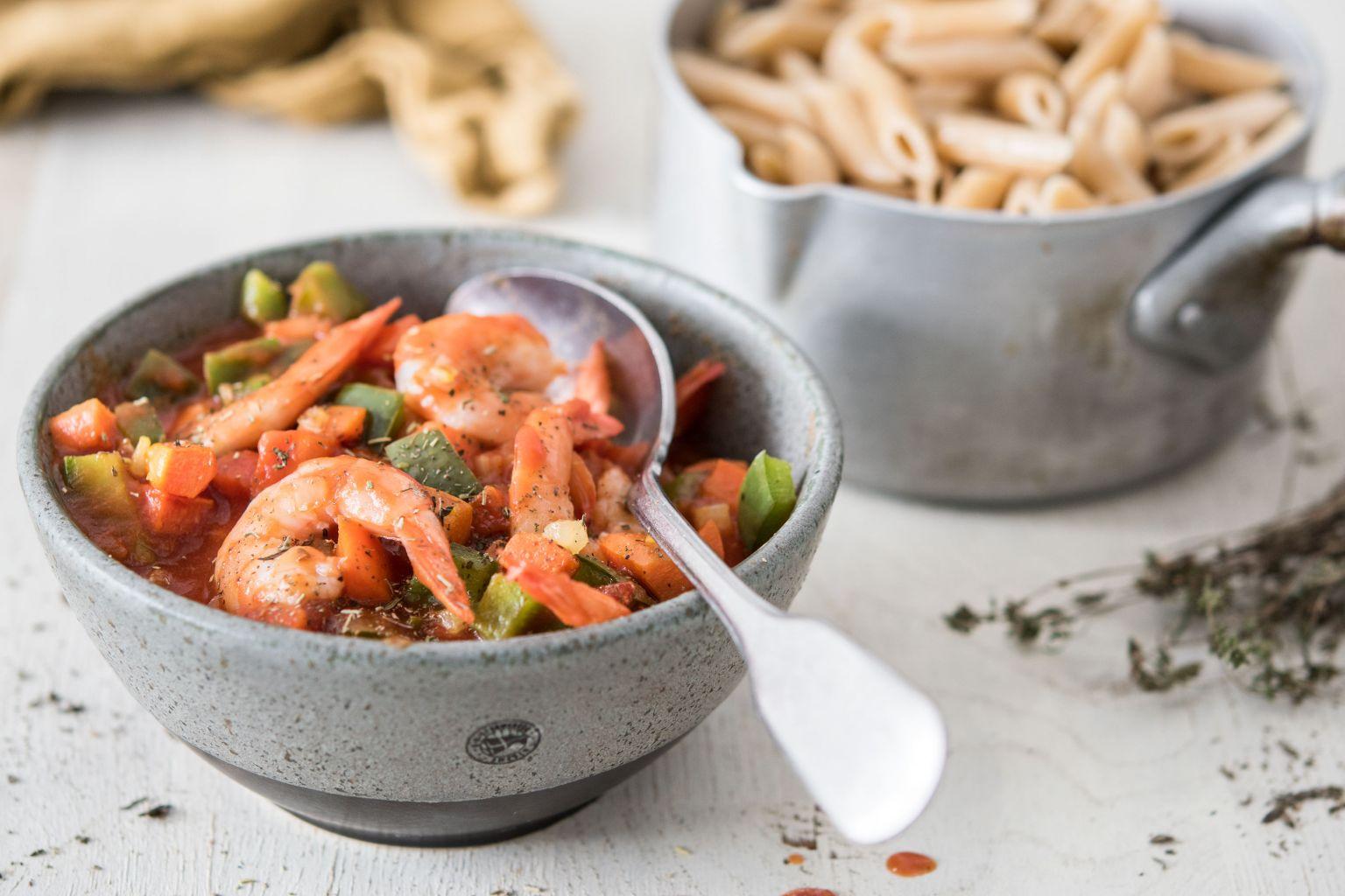 Spaghetti aux crevettes et à la sauce marinara (20 min)
