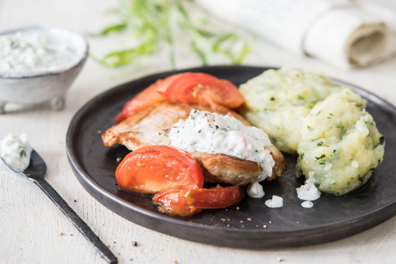 Bavette de porc, sauce béarnaise légère et purée à la courgette