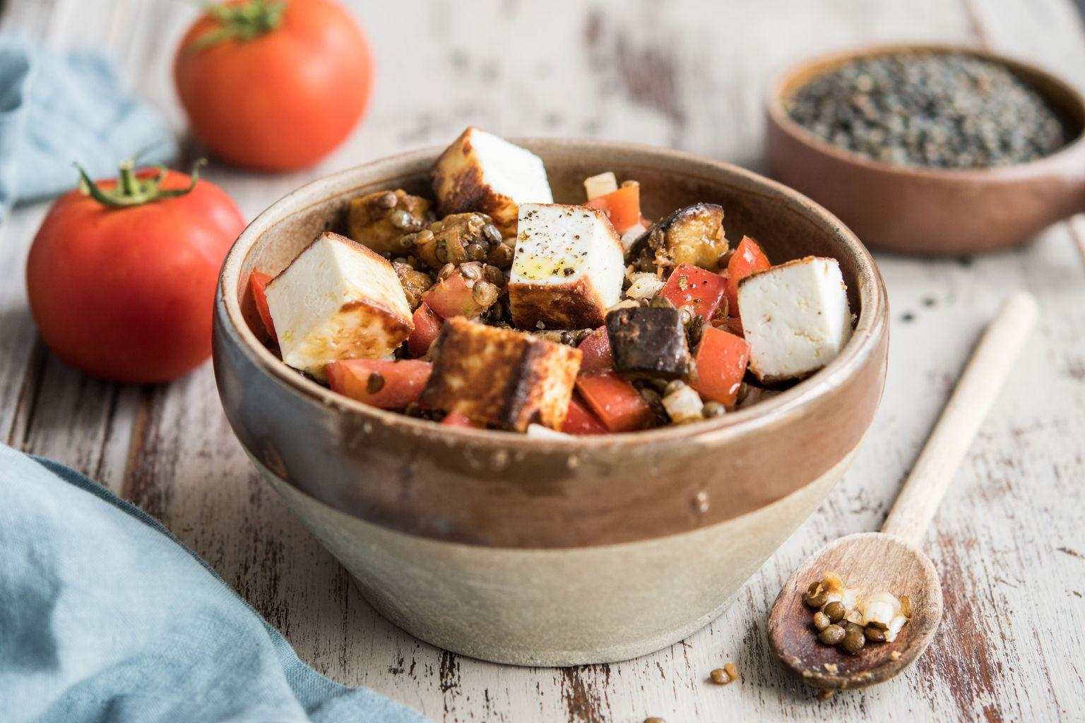 Salade de lentilles tikka masala et manouri façon paneer