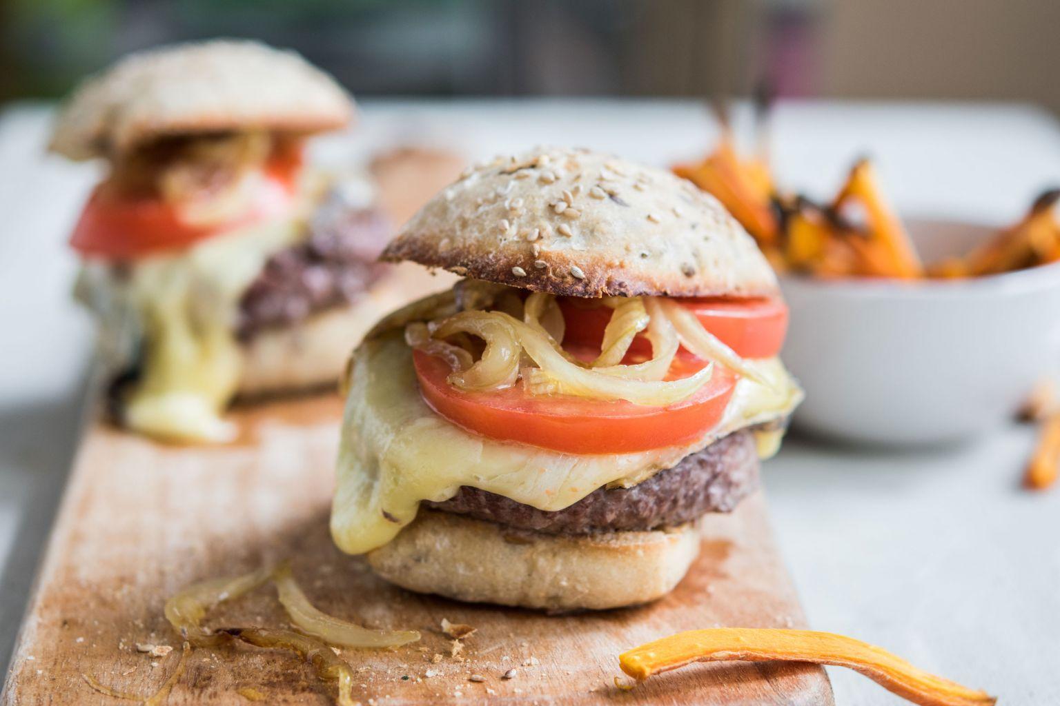 Recette de burger à la française, à la tomme du Jura