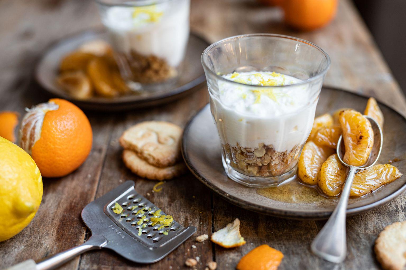 Faisselle façon cheesecake aux cacahuètes et clémentines au sirop d'érable