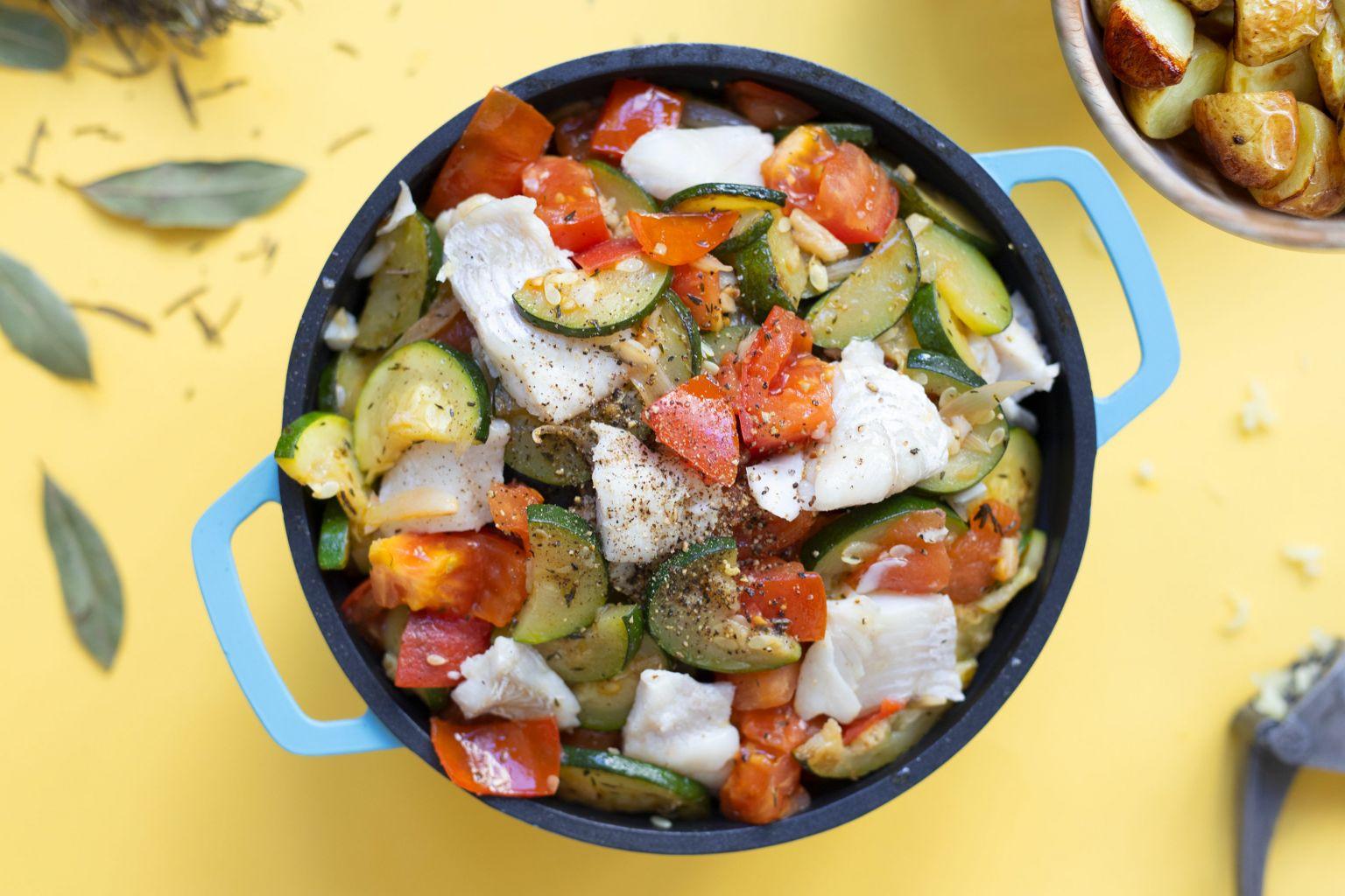 Cocotte de lieu noir aux légumes d'été