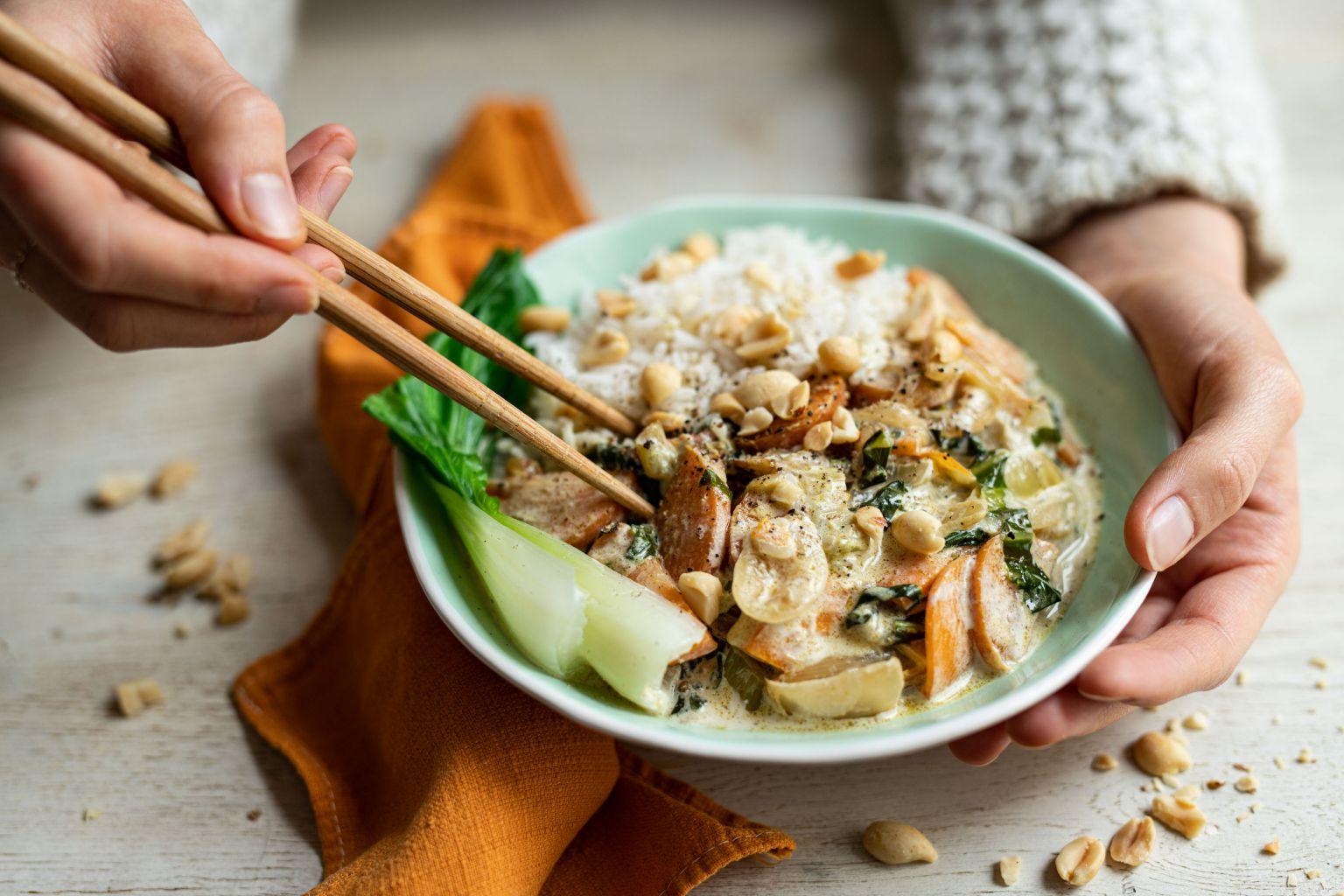 Curry vert de légumes aux cacahuètes