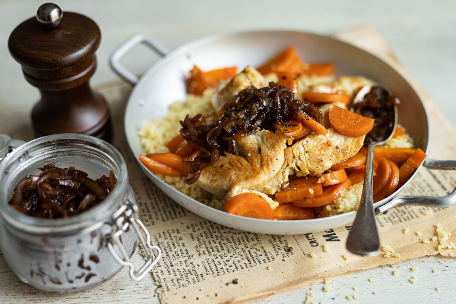 Sauté de dinde et chutney d'échalotes au vinaigre au poivre du Penja