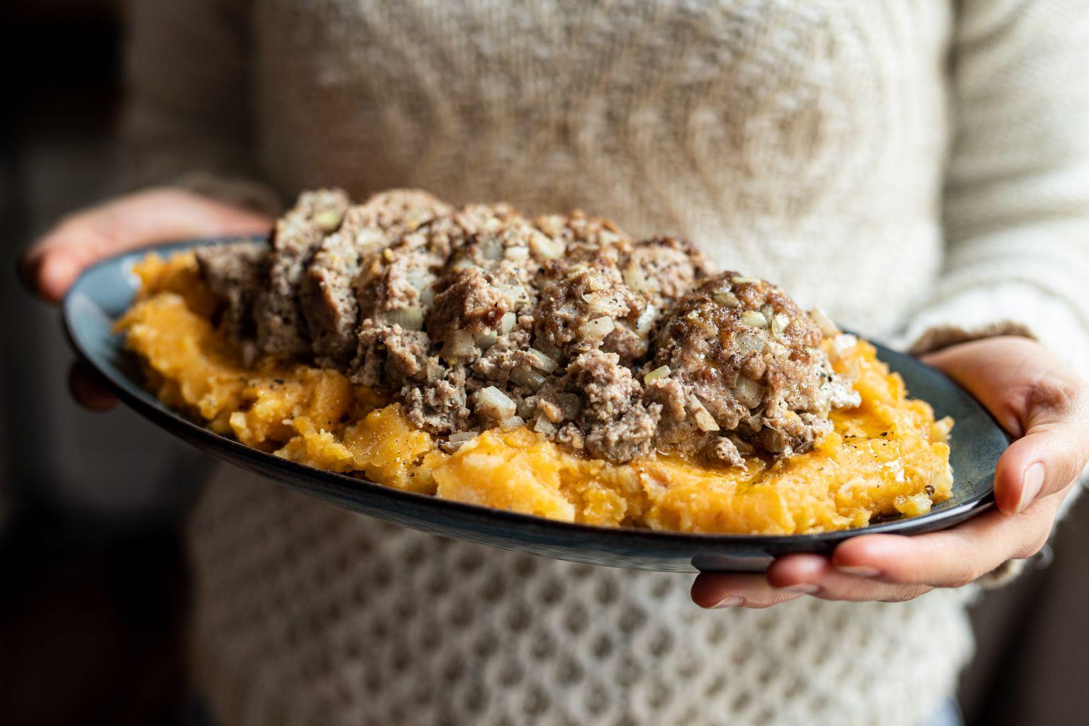 Pain de viande rôti et purée de patate douce
