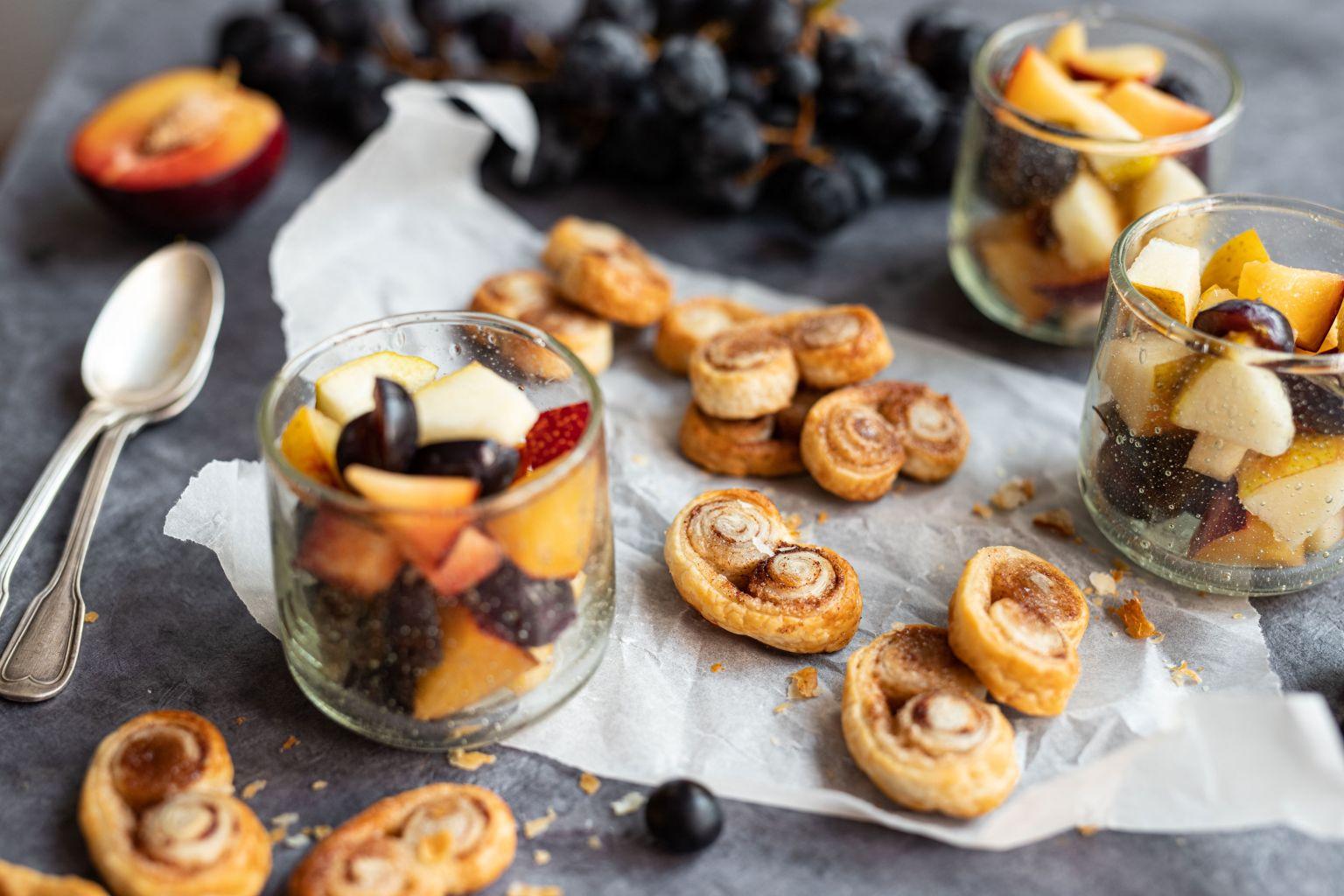 Palmiers au sucre spéculoos et salade de fruits d'automne