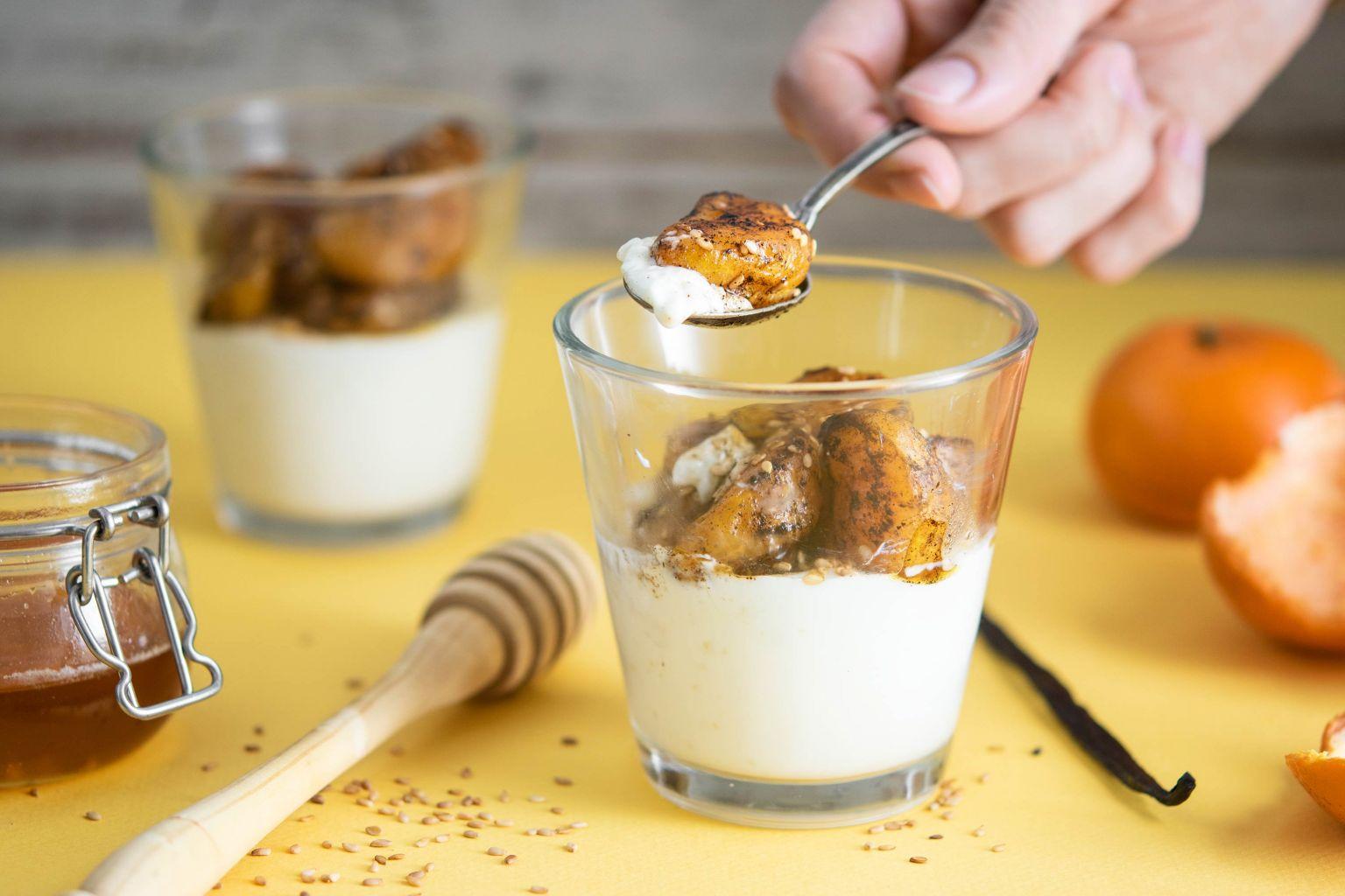 Panna cotta à la vanille, clémentine et sésame