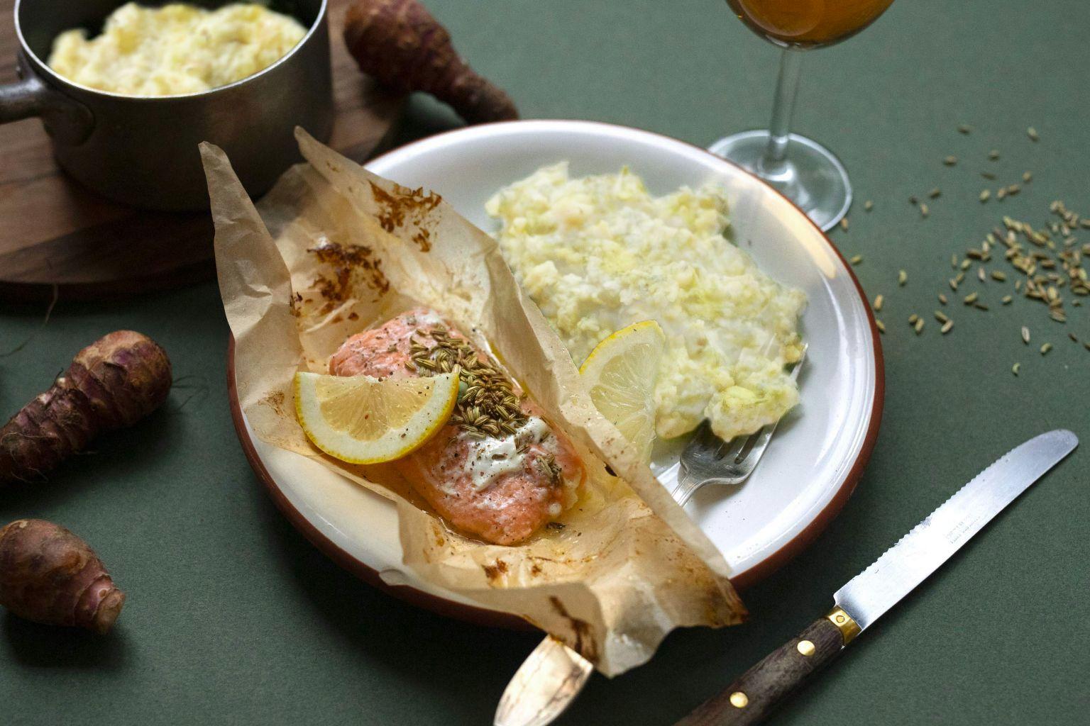 Papillotes de saumon aux graines de fenouil moulues et citron