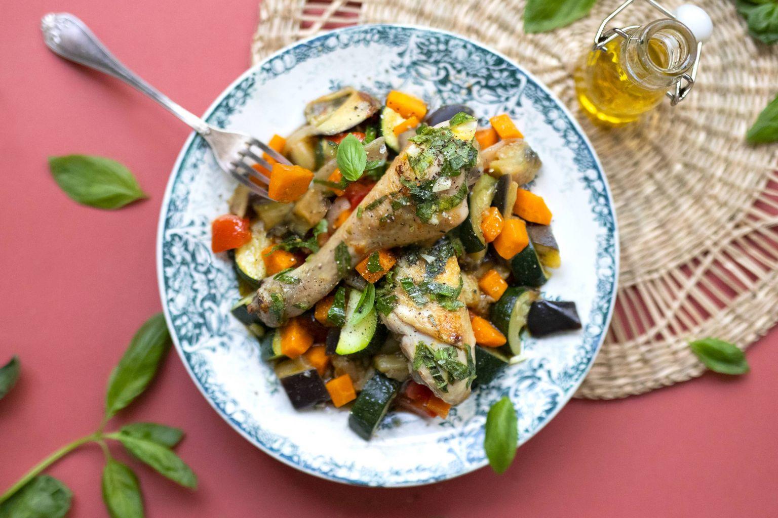 Pilons de poulet à la gremolata et poêlée aux 4 légumes