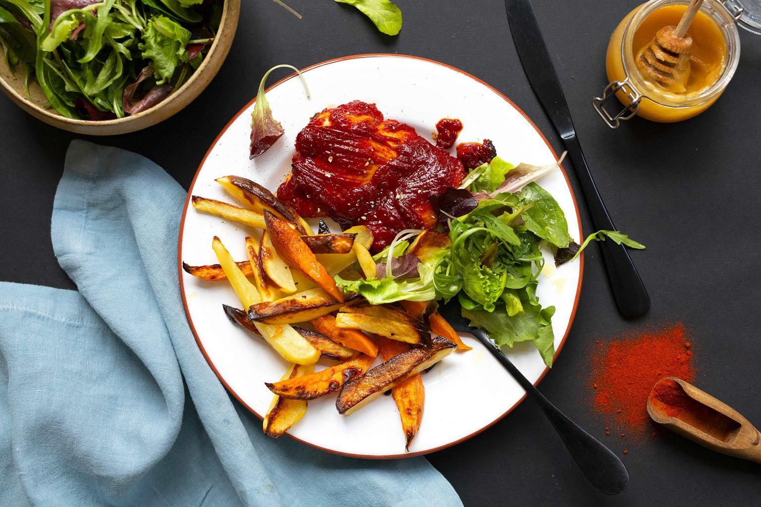 Hauts de cuisse de poulet à la sauce BBQ et frites de patate douce