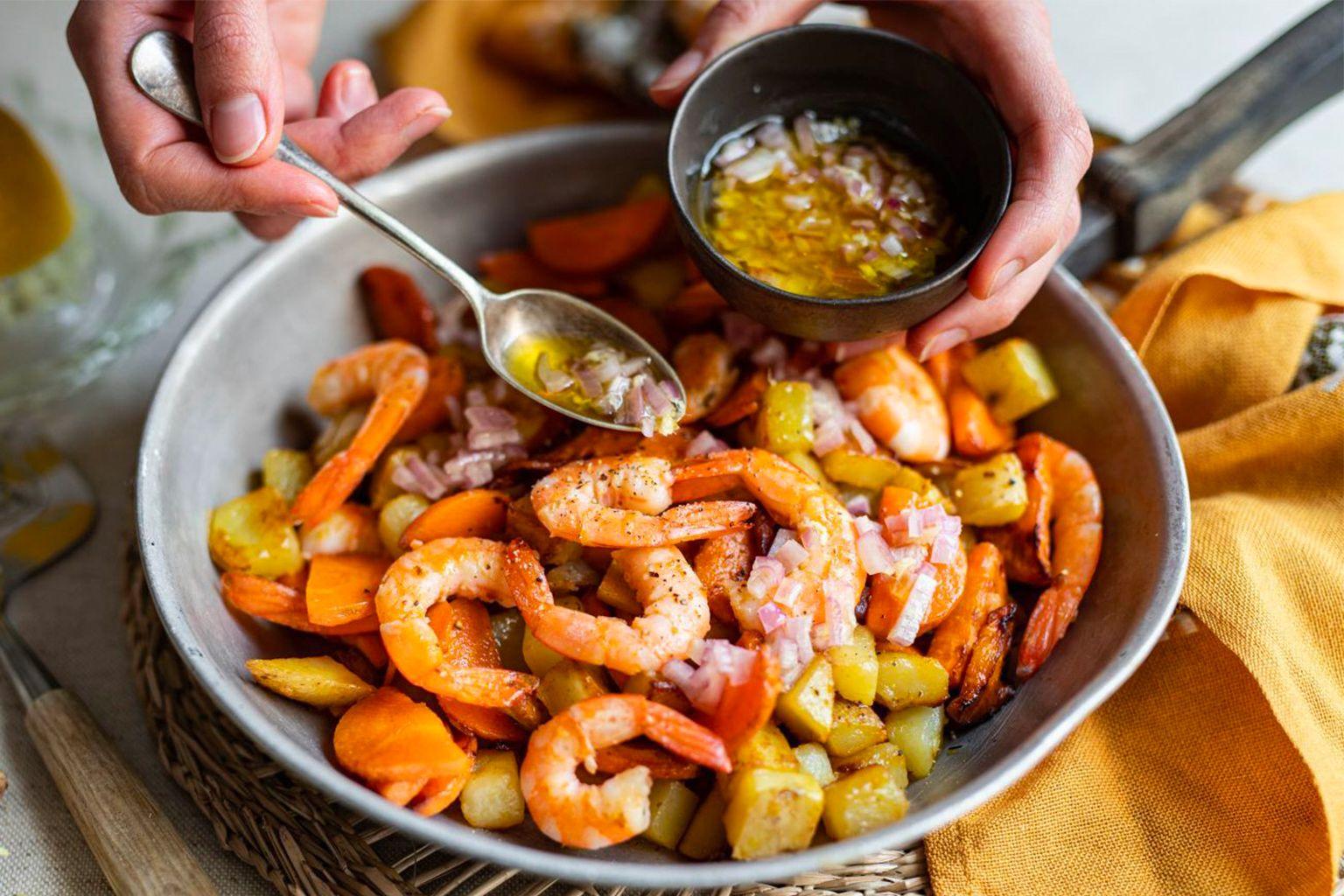 Poêlée de crevettes et sauce vierge au citron et à l'ail