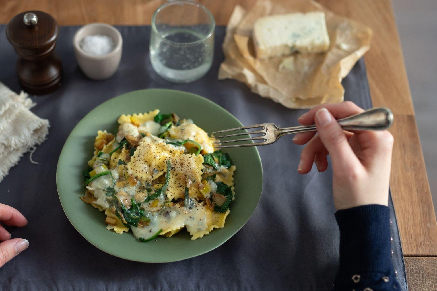 Ravioli farcis aux girolles persillées et gorgonzola