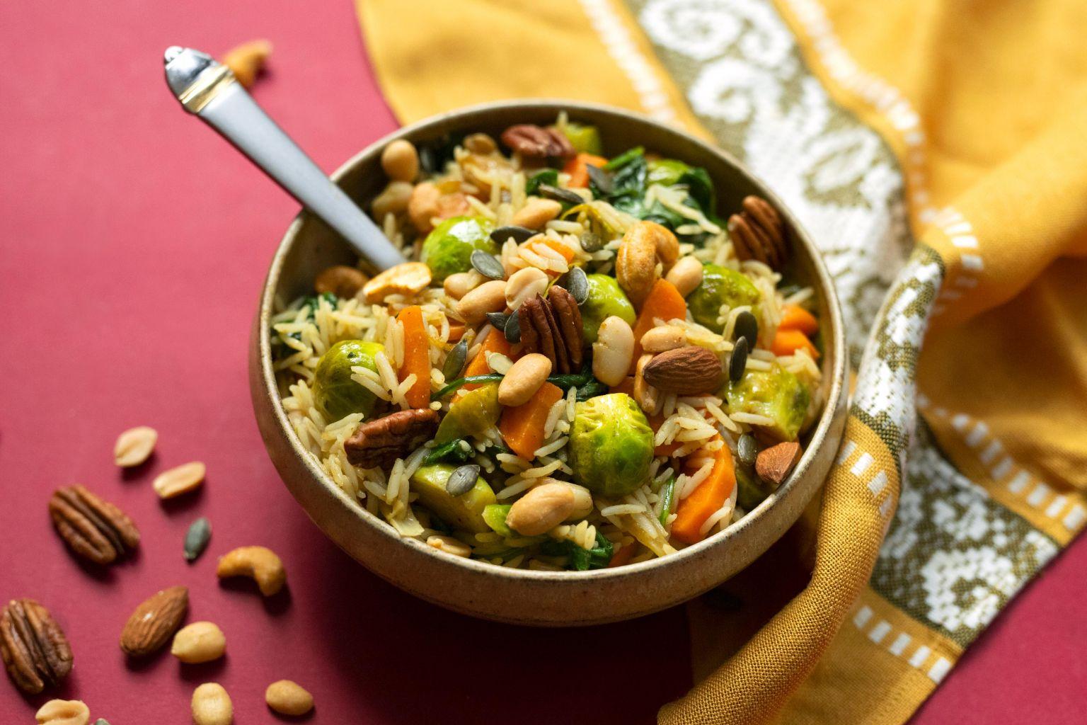 Riz biryani aux légumes et noix