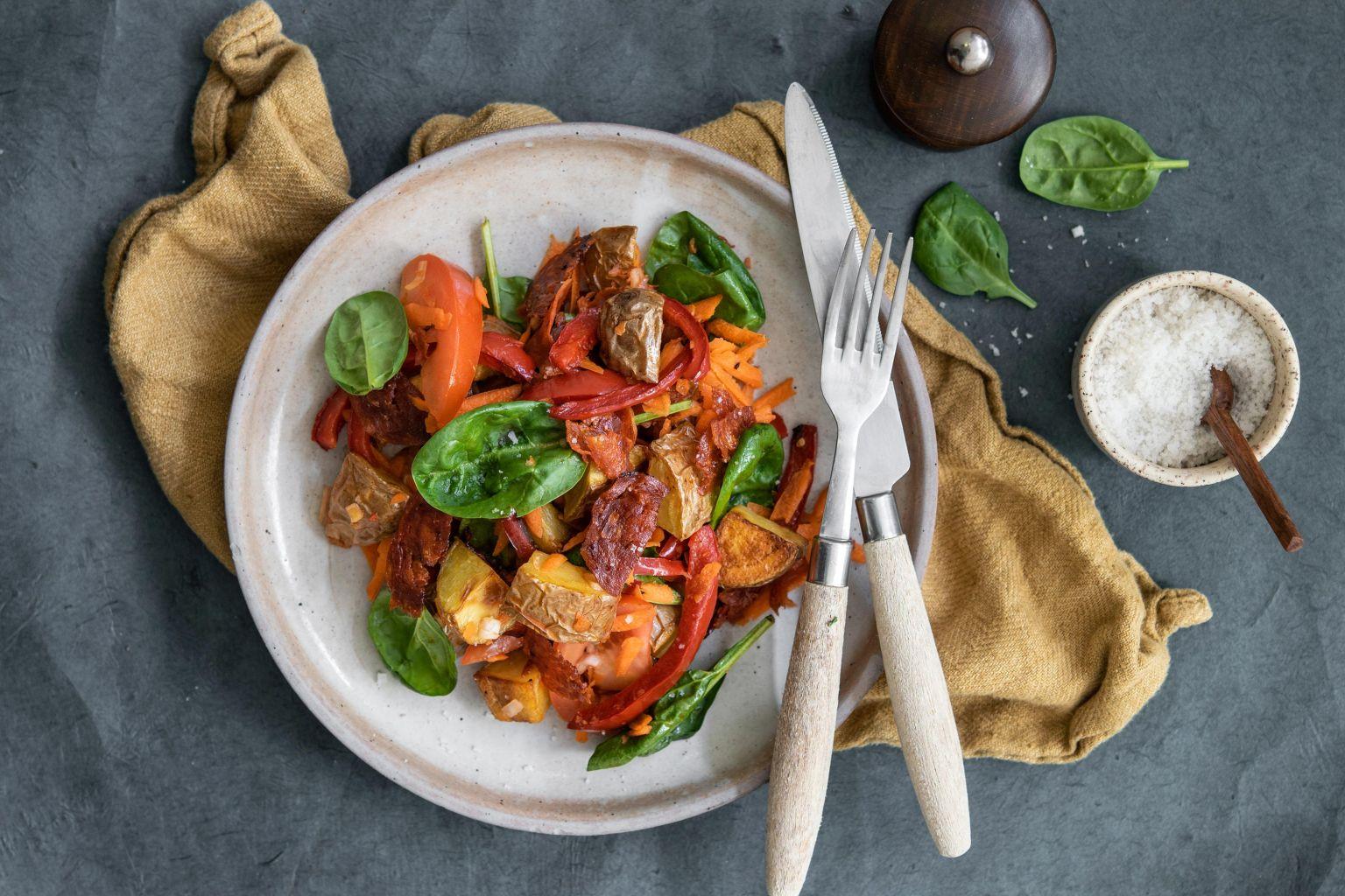 Salade colorée au chorizo croustillant