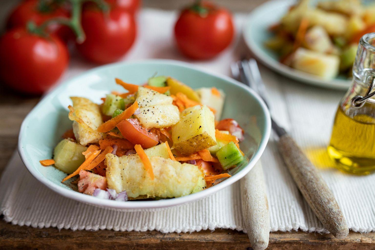 Salade colorée au lieu noir