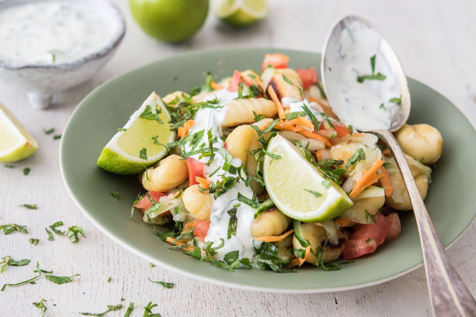 Salade de gnocchi à la sauce fraîche à la menthe