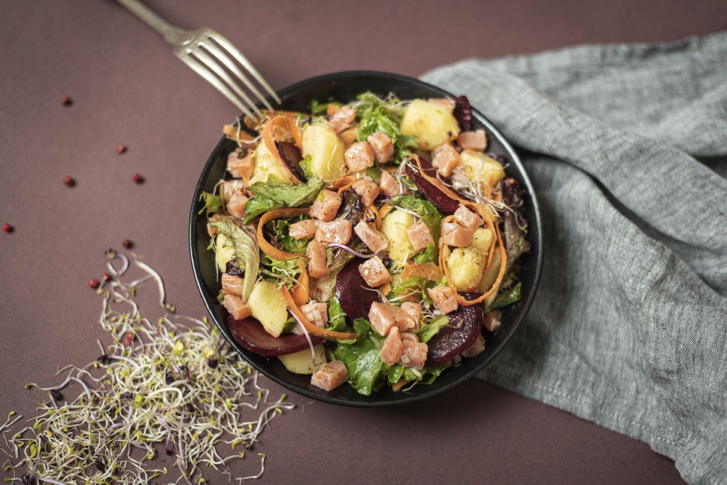Ceviche de saumon aux pousses de fenouil et aux épices nordiques