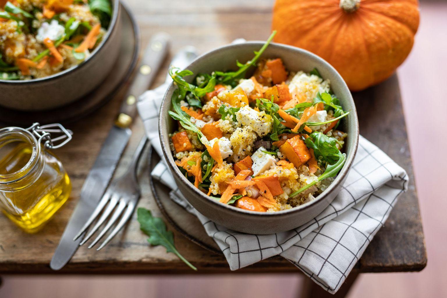 Salade de quinoa à la féta et potimarron rôti au cumin
