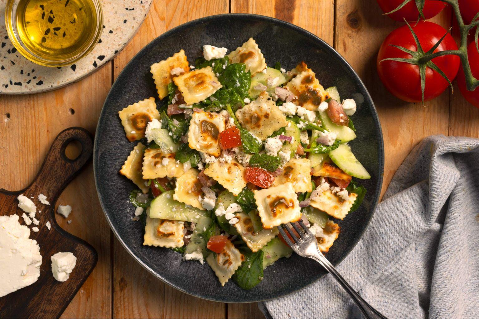 Salade de ravioles à poêler au fromage frais et basilic de Provence