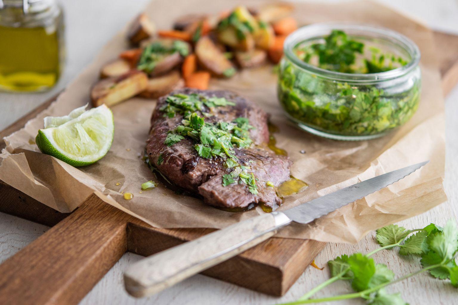 Steak de boeuf et gremolata au citron vert