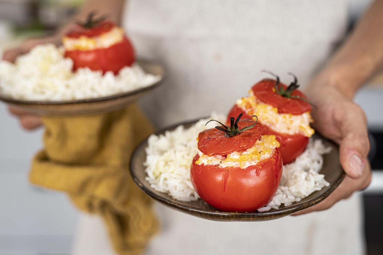 Tomates farcies au chèvre au piment