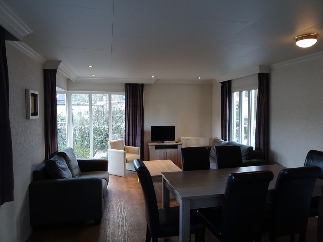 Vakantiehuis te koop Gelderland Arnhem Koningsweg 14 C21 Droompark Hooge Veluwe (5).jpg