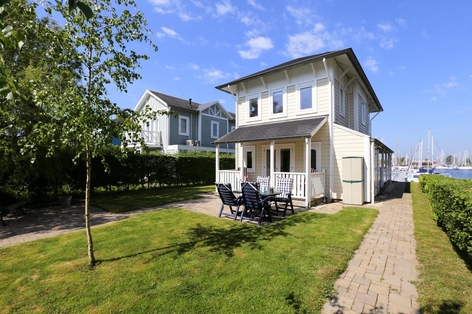 Vakantiehuis te koop aan water in Zuid-Holland 002.jpg