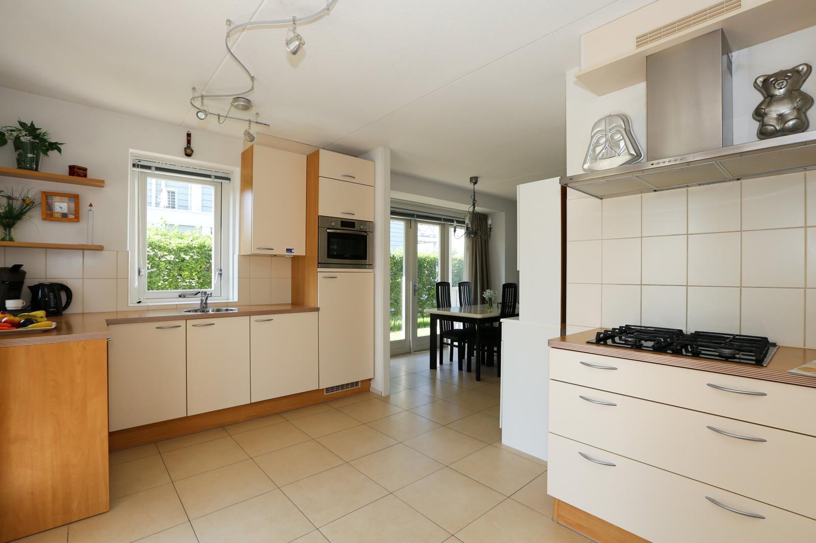 Vakantiehuis te koop aan water in Zuid-Holland 029.jpg